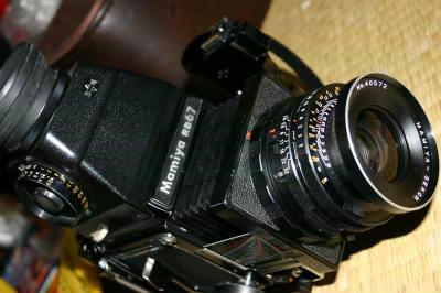 西園寺家のおうちの物置にありそうなカメラ