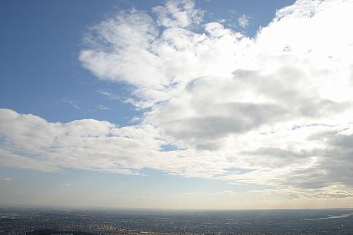 岐阜城より。名古屋セントラルタワーが目視で見えたのには驚愕。
