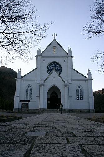 えらく綺麗だった教会。