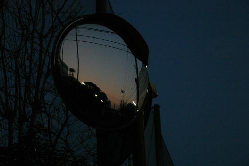 最近夜や明け方頃をISO1600で手持ちでてきとーに撮るのがマイブーム