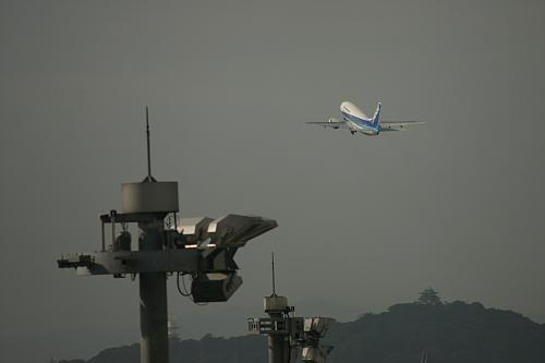 これもターミナルから。流さなければこうやって望遠で金網消すこともできるのですが。