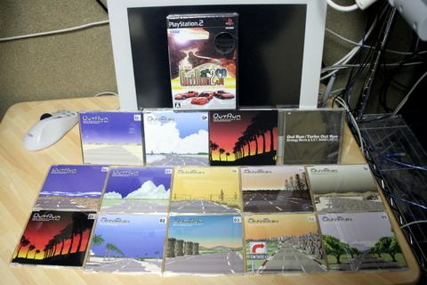 ソフト1枚、DVD1枚、CD12枚。(笑)